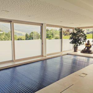 Milchglasfolie indoor schwimmbad